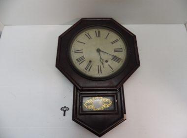 大阪で古時計を出張買取いたしました。
