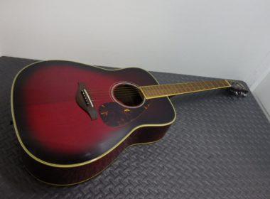 ギターを大阪で出張買取しました。